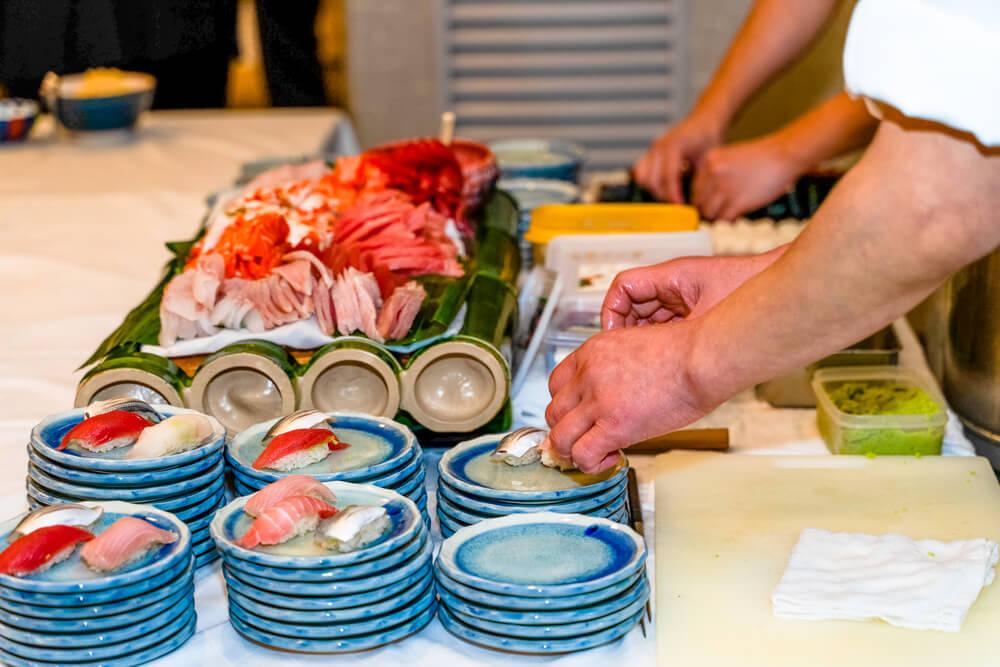 【出張料理】その場で握る本格鮨4貫!英多郎寿司の立食お手軽ケータリングプラン画像3