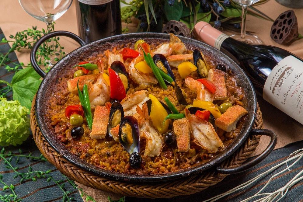 【ロハス&ヘルシー】新鮮魚介のパエリアと有機野菜のフレンチケータリング画像0