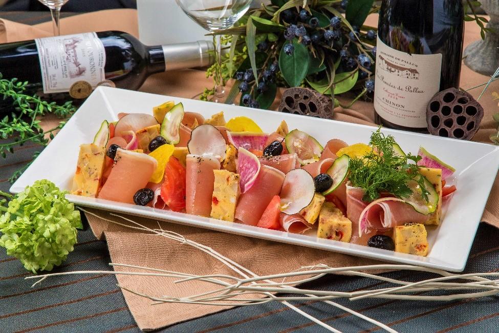 【ロハス&ヘルシー】新鮮魚介のパエリアと有機野菜のフレンチケータリング画像2
