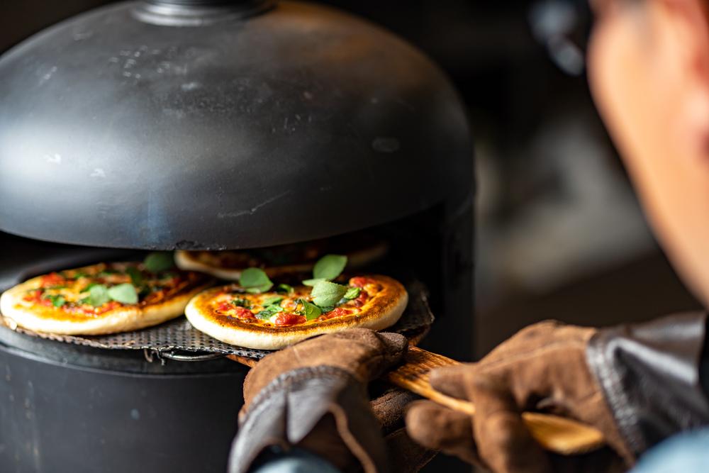 【出張料理】焼き立て窯ピザつき!ボンリーゾの立食スタンダードケータリングプラン画像0