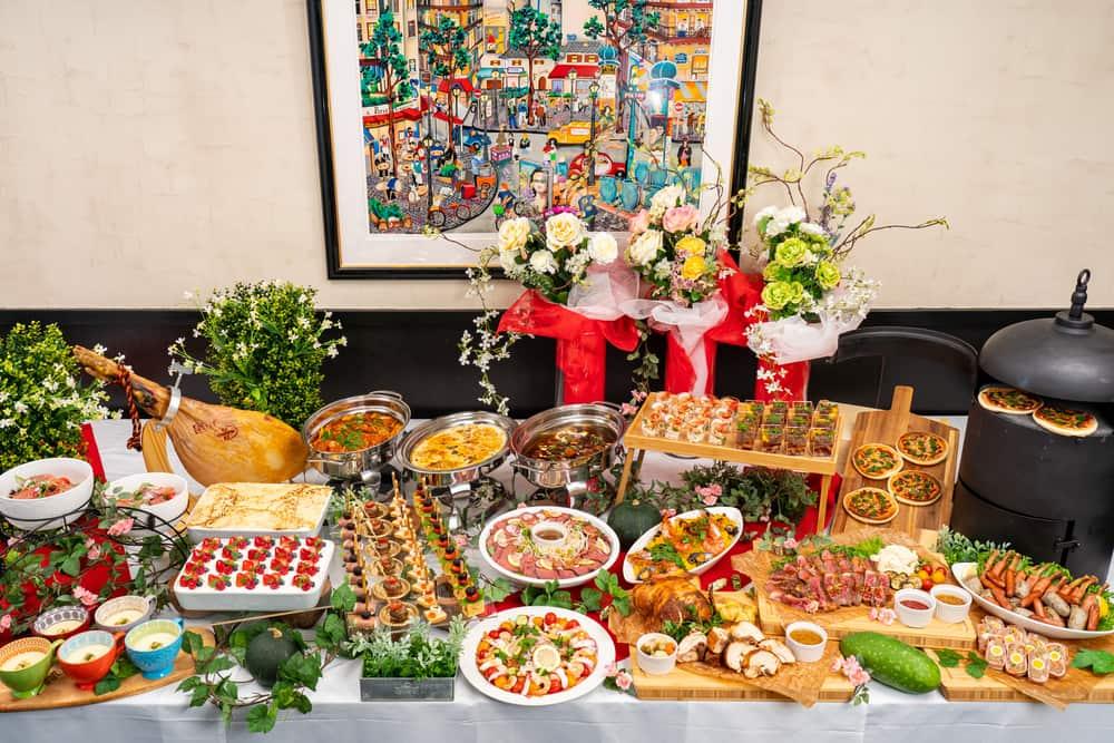 【出張調理】焼き立て窯ピザつき!ボンリーゾの本格パーティー向け豪華ケータリングプラン画像1