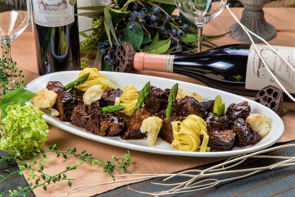 【ラグジュアリー】牛ほほ肉の赤ワイン煮込みと手毬寿司の豪華ケータリングプラン画像0