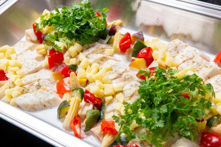 【ビュッフェ・立食】若鶏のグリル付き!コルドンブルーの立食スタンダードケータリングプラン画像9