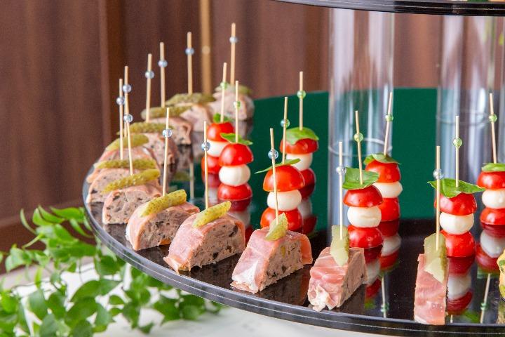 【ビュッフェ・立食】茄子と松の実のカポナータ付き!コルドンブルーのスタンダードフィンガーフード画像0