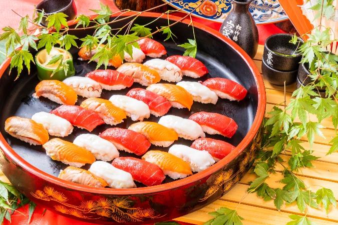 【和風割烹】江戸前握り寿司付の全9品。四季膳みやのお手軽オードブルプラン画像1