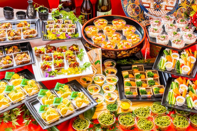 【個別包装】彩りちらし寿司付の全10品。四季膳みやの交流会向け和風オードブルプラン画像1