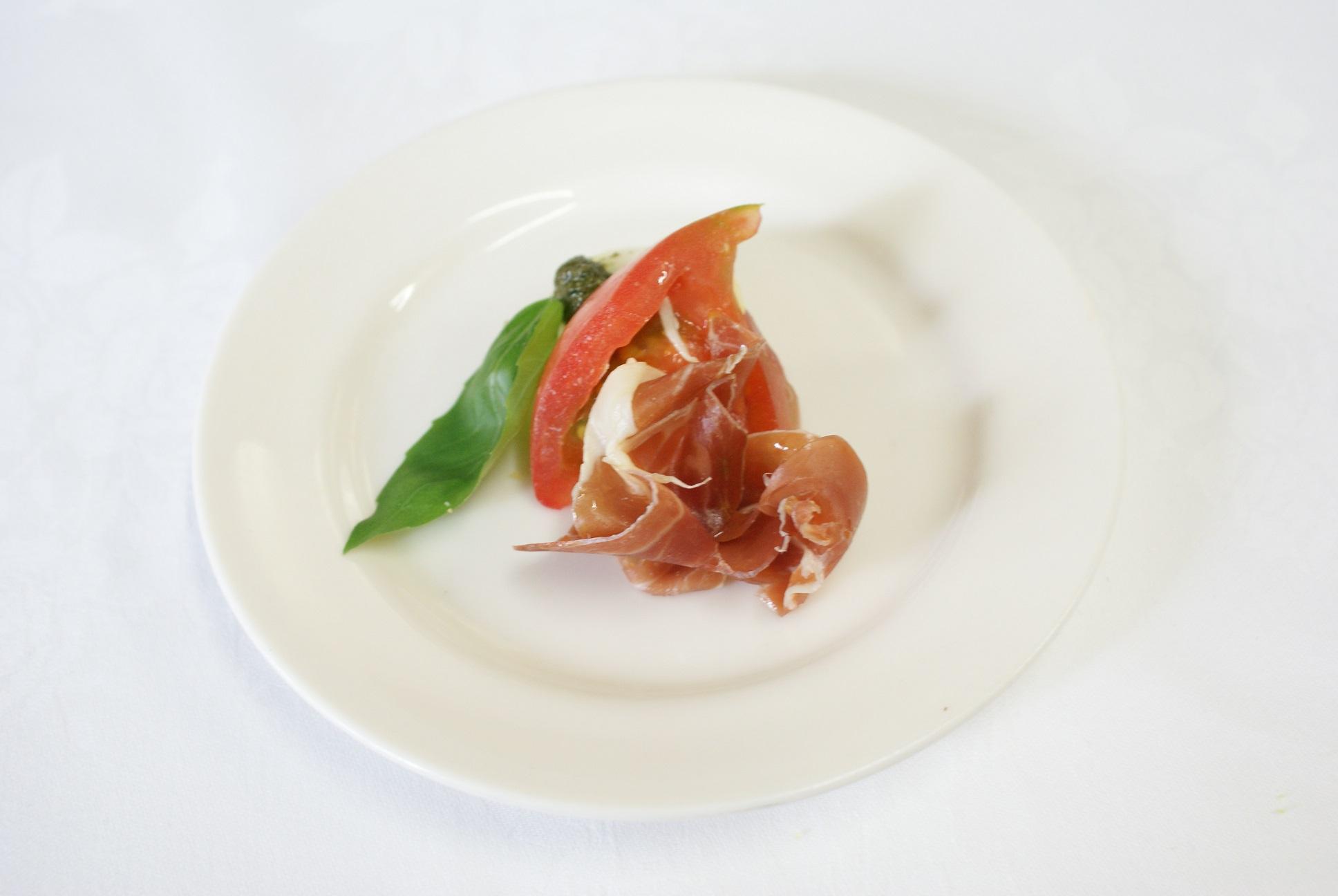 【完全個別包装のカップオードヴル】牛肉のソテーとフォアグラのロッシーニ風 と選べるカップオードヴル画像4