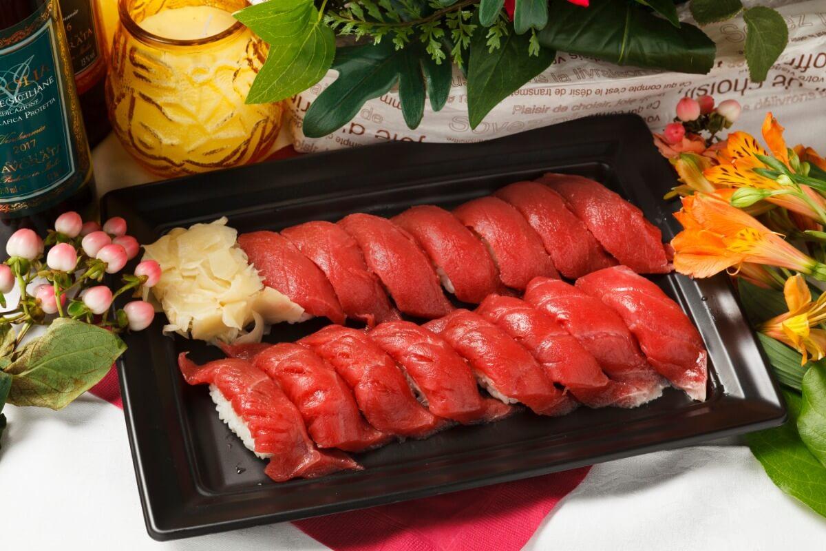【ボリューム満点】厳選握り寿司つき!シアターの本格パーティー向け豪華オードブルプラン画像1