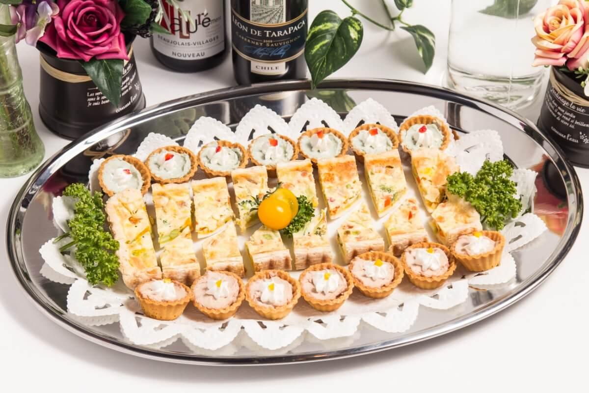【ビュッフェ・立食】細巻き寿司つき!ベリーベリーの立食お手軽ケータリングプラン画像3