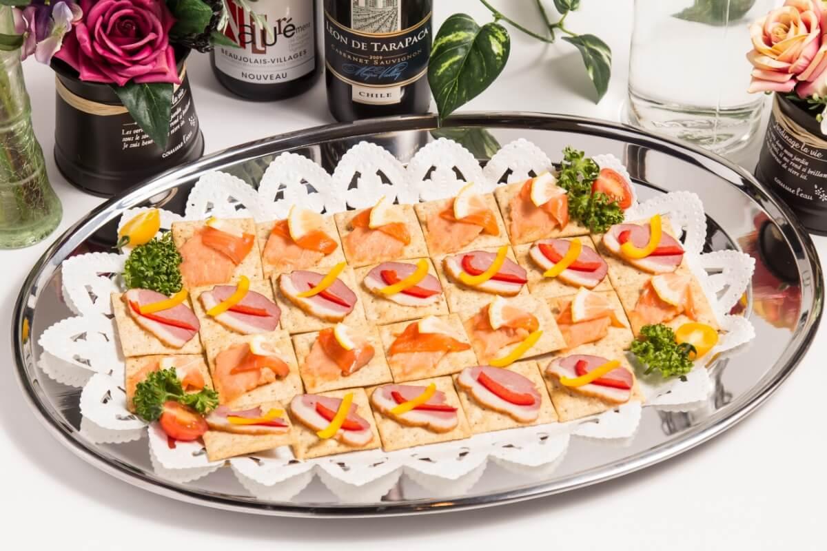 【ビュッフェ・立食】細巻き寿司つき!ベリーベリーの立食お手軽ケータリングプラン画像1